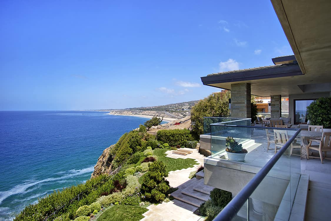 Laguna Beach hard money lender - beachfront homes
